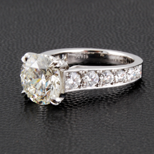 Round Diamond 4 Prongs Wedding Ring